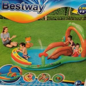 Barátságos fa vizes játék 295x199x130cm